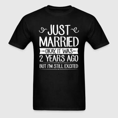 2 Wedding Anniversary Just Married  - Men's T-Shirt
