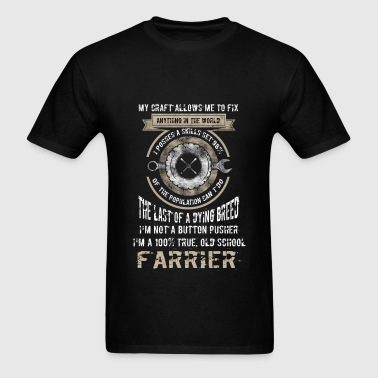 Farrier - The last of a dying breed - Men's T-Shirt
