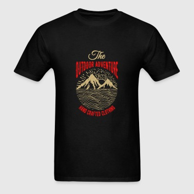 The outdoor adventure - Men's T-Shirt