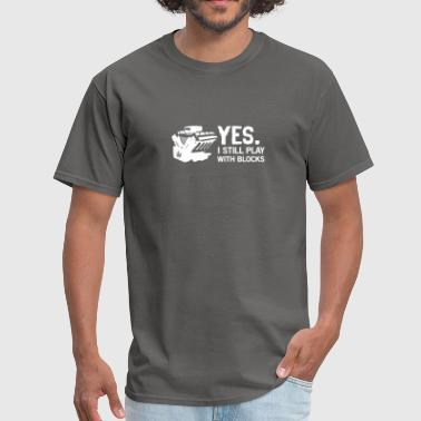Colorado Flag Vintage YES I STILL PLAY WITH BLOCKS FUNNY MUSCLE CAR GIFT - Men's T-Shirt