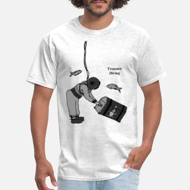 Vintage Diver with Diving Helmet and Treasure - Men's T-Shirt
