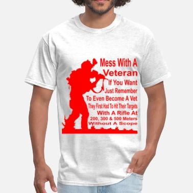 Marine Corps A Vet Had To Hit Their Target With A Rifle At 200, - Men's T-Shirt