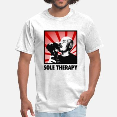 Bred sole therapy - Men's T-Shirt