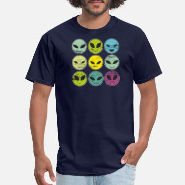Funny Alien Funny Alien Heads And Facial Expressions As Patter - Men's T-Shirt
