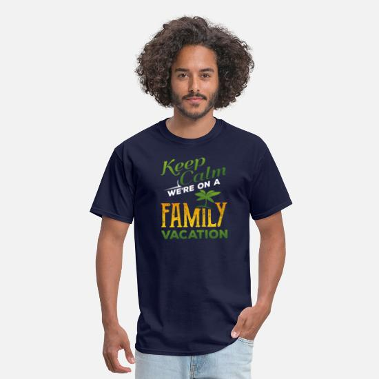 Vacation T-Shirts - Keep Calm we´re on a family vacation - Men's T-Shirt navy