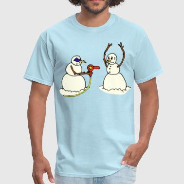 Snowman bandit with hair dryer funny cartoon - Men's T-Shirt