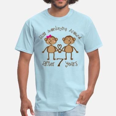 a9e94818 Funny 7th Anniversary Gift Couples - Men's T-Shirt