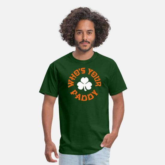 Funny T-Shirts - Whos Your Paddy v2 - Men's T-Shirt forest green