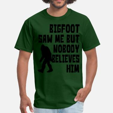 Bigfoot Illustrations Bigfoot saw me - Men's T-Shirt