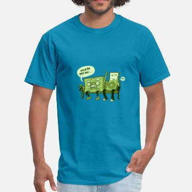 One Liner Jokes Retro tape and ipod discussion - Men's T-Shirt