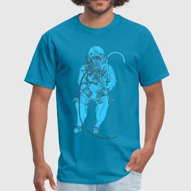 Sitting Vintage Diver with Diving Helmet Artwork - Men's T-Shirt