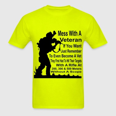 A Vet Had To Hit Their Target With A Rifle At 200, - Men's T-Shirt