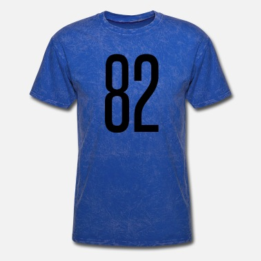 Number 82 Tall number 82 - Men's T-Shirt