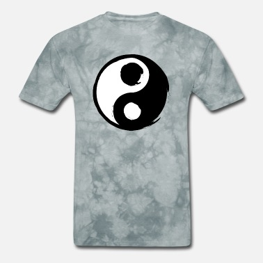 Daoism Yin Yang opposites attract each other - Men's T-Shirt
