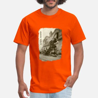 In Paris, Derailed; retro design - Men's T-Shirt