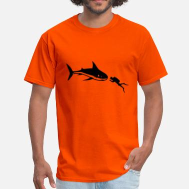 Diver Sharks A shark and a diver - Men's T-Shirt