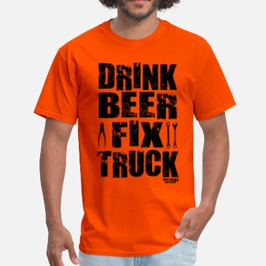 Usa Truck DRINK BEER FIX TRUCK - Men's T-Shirt