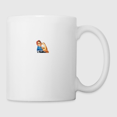 WOMAN BORN IN AUGUST SHIRT - Coffee/Tea Mug