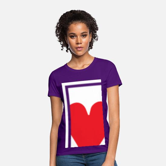 Queen T-Shirts - Queen of Hearts Women's T-Shirts - Women's T-Shirt purple