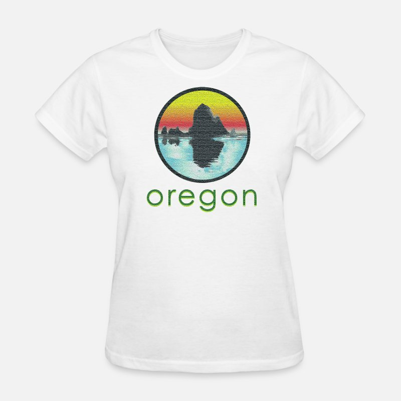 Cannon T-Shirts - Vintage Cannon Beach Oregon - Women's T-Shirt white