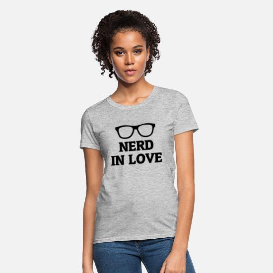 Quote T-Shirts - Nerd In Love - Women's T-Shirt heather gray