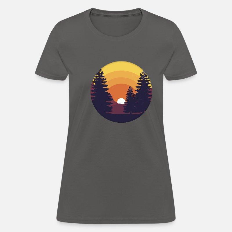 Minimalist Pine Tree: Retro Sun Minimalist Pine Tree Women's T-Shirt