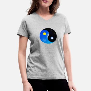yin yang - Women's V-Neck T-Shirt