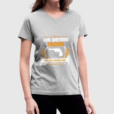 Smith Gift Gun Smithing Mom Shirt Gift Idea - Women's V-Neck T-Shirt