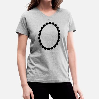 Circle Shape cameo circle oval shape - Women's V-Neck T-Shirt
