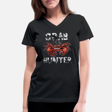 Crab Funny Fisherman Gift - Crab Hunter Disstressed - Women's V-Neck T-Shirt