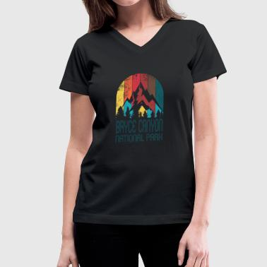 Bryce Canyon Bryce Canyon National Park Retro Distressed Gift or Souvenir Design - Women's V-Neck T-Shirt