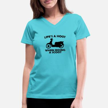 Scoot hoot scoot - Women's V-Neck T-Shirt