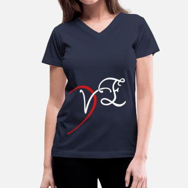 I Love VE - LOVE couple shirt - Women's V-Neck T-Shirt