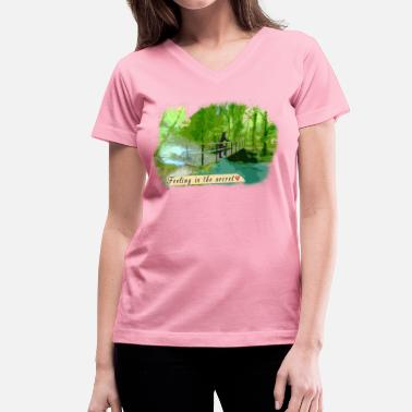 Scenic Scenic Bridge - Women's V-Neck T-Shirt