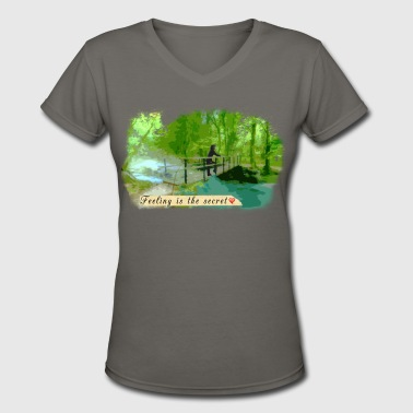 Scenic Bridge - Women's V-Neck T-Shirt