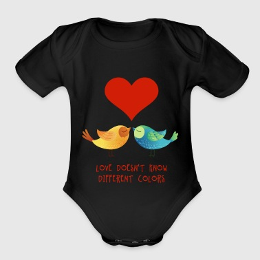 love_doesnt_know_different_colors_072016 - Organic Short Sleeve Baby Bodysuit