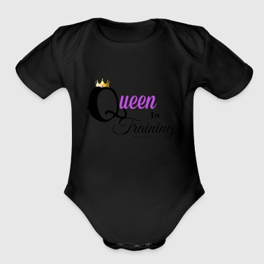 QUEEN RISING THE mOVEMENT-in training-babygirl - Organic Short Sleeve Baby Bodysuit