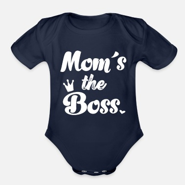 Mom´s the Boss Funny Baby Quote Onesie Baby Shower - Organic Short-Sleeved Baby Bodysuit