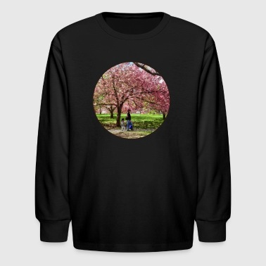 Enjoying the Cherry Trees - Kids' Long Sleeve T-Shirt