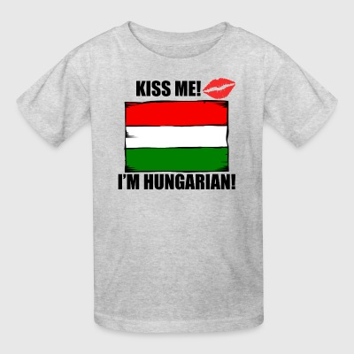 Kiss Me I'm Hungarian - Kids' T-Shirt