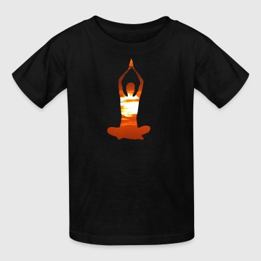 Man meditating yoga in the evening sun 02 - Kids' T-Shirt