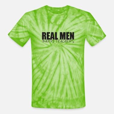 tee Real Men Marry Wisconsin Women Unisex Sweatshirt