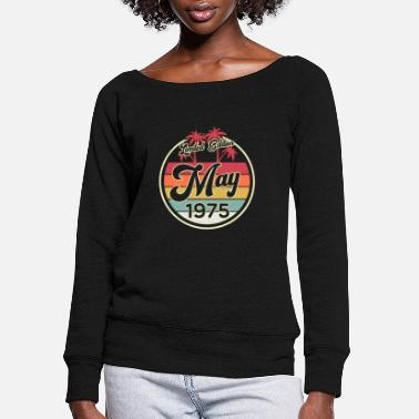 Round Birthday Vintage 80s May 1975 45th Birthday Gift Idea - Women's Wide-Neck Sweatshirt