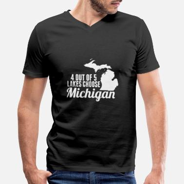 Lake Logo - 4 out of 5 lakes choose michigan map mitt - Men's V-Neck T-Shirt