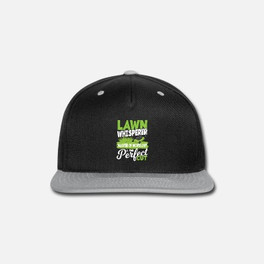 Lawn Whisperer Master of Mowology keeper of gras - Snapback Cap