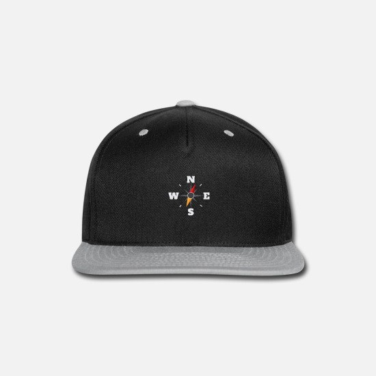 Camping Caps - Arrow NESW Navigator Outdoor Gift Idea - Snapback Cap black/gray