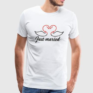 Just Married Swans Funny Slogan - Men's Premium T-Shirt
