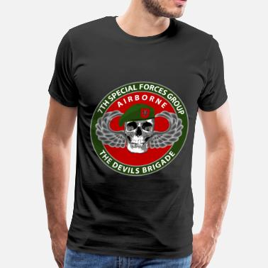 Green Berets 7th SFG Skull - Men's Premium T-Shirt