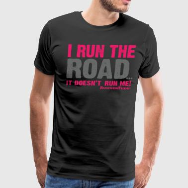I run the road mug - Men's Premium T-Shirt