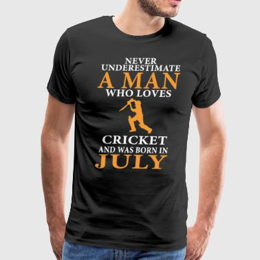 never underestimate a man who loves cricket and ww - Men's Premium T-Shirt